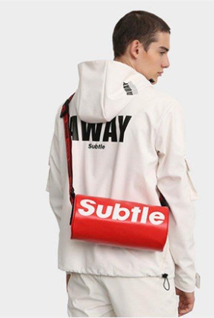 潮牌Subtle KRUIS城市包 (單肩包) 時尚有型.遊走城市率性而行 圓桶包 帥氣破表