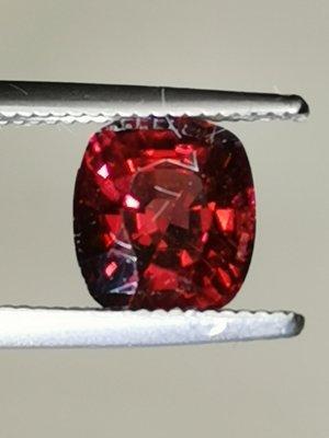 💖玉殿珠寶💖天然無燒鴿血紅尖晶石