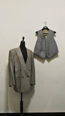 七八成新~   Allen  Folly   黑白 交錯 雙排扣 西裝外套  加 開襟背心 兩件式 ~ XL~