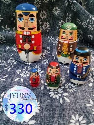 套件 俄羅斯套娃5五層士兵武士鼓手樂隊組合套娃生日禮物 俄羅斯娃娃 鬍子先生套娃 擺件 裝飾品  JYUN