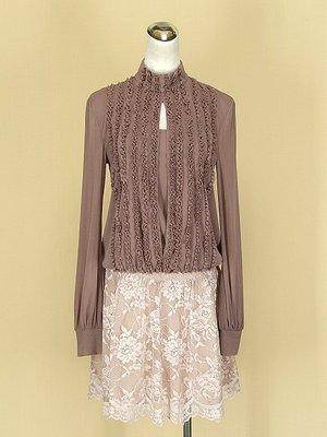 WYETH`S 紅豆粉立領長袖網紗上衣F號+ONE AFTER ANOTHER 日本 杏粉緞面短裙S號(36480