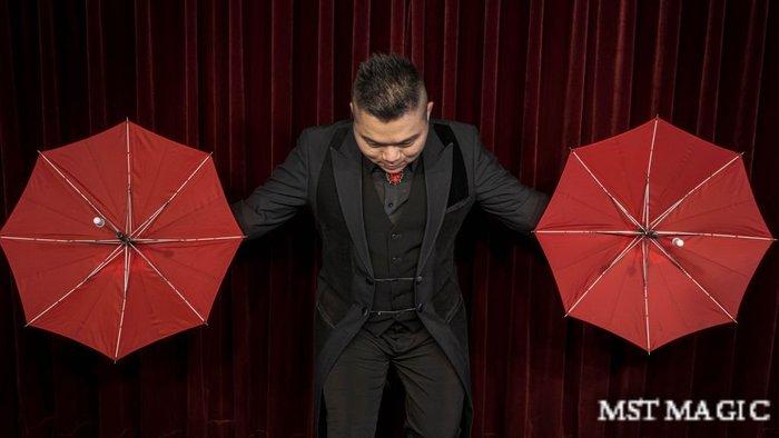 (預購)【天天魔法】【S1296】出傘魔術教學(MAX|by Max)(馬克斯出傘魔術教學)