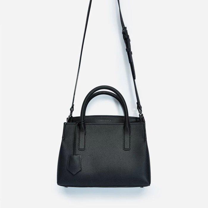 1220:)  Charles&keith 吊牌裝飾大容量通勤包 手提/側背包