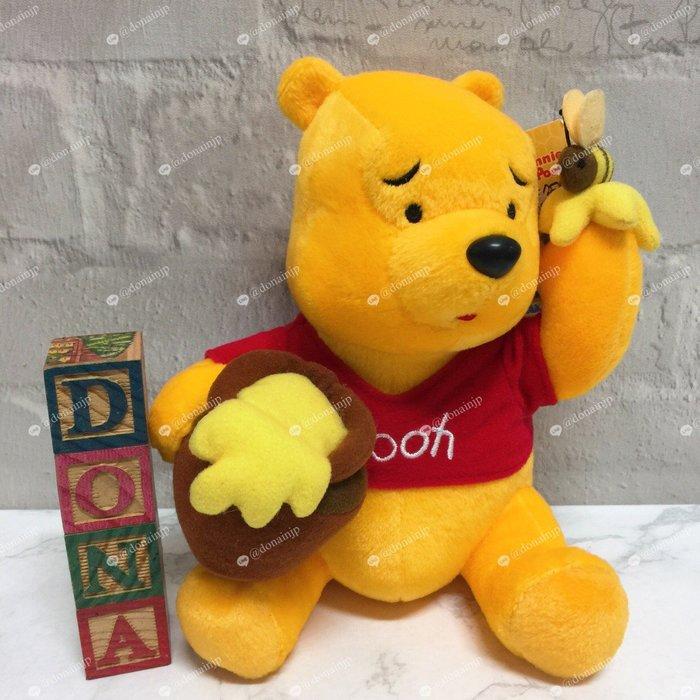 【Dona日貨】日本正版 小熊維尼吃著蜂蜜感到困惑 F03