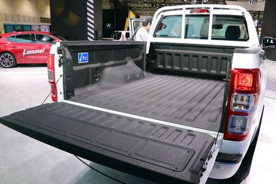 Ford Ranger 高蓋 SJS 職人版 XLT super cab 上掀式側窗