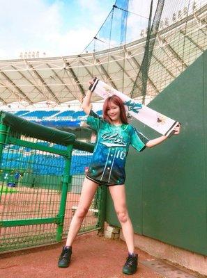 Rakuten Girls 星空 ELI  倪暄 球衣    自選名:ELI  自選背號:10  尺寸:2XL