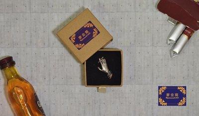 【 麥金窩 Mydreamwall 】 手、菸與寂寞 菸胸針 手指胸針 禮物 別針 胸針 生日禮物 交換禮物 禮物