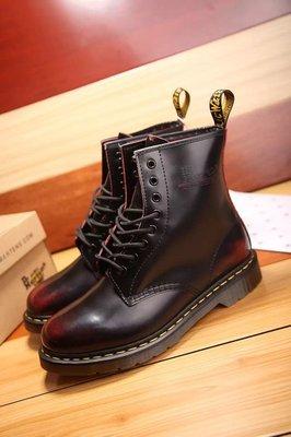 Dr.Martens 馬丁鞋 馬汀鞋 經典1460 8孔  擦色紅【 BRITISH LOOK 】