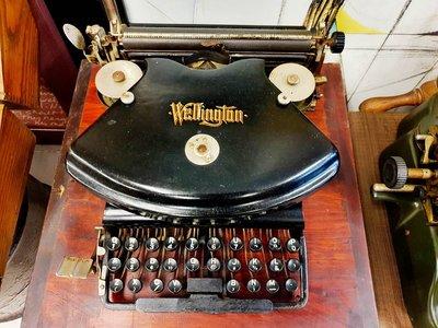 { Ruminant 慕名古物 } 美國Wellington No.2打字機1892年