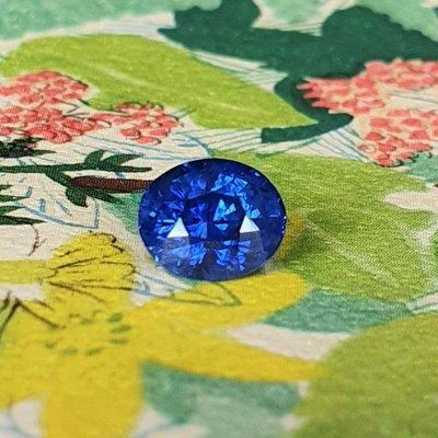 揚邵一品(附國際證)1.04克拉皇家藍藍寶石 濃豔正藍色 怦然心動的貴氣皇家質感 切割優滿火 喜歡皇家藍的朋友千萬別錯過