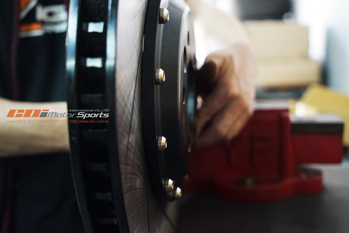 AP RACING CP-9040 CP-7040 356x32 專用外盤 D61專用咬合面非通用混搭 / 制動改