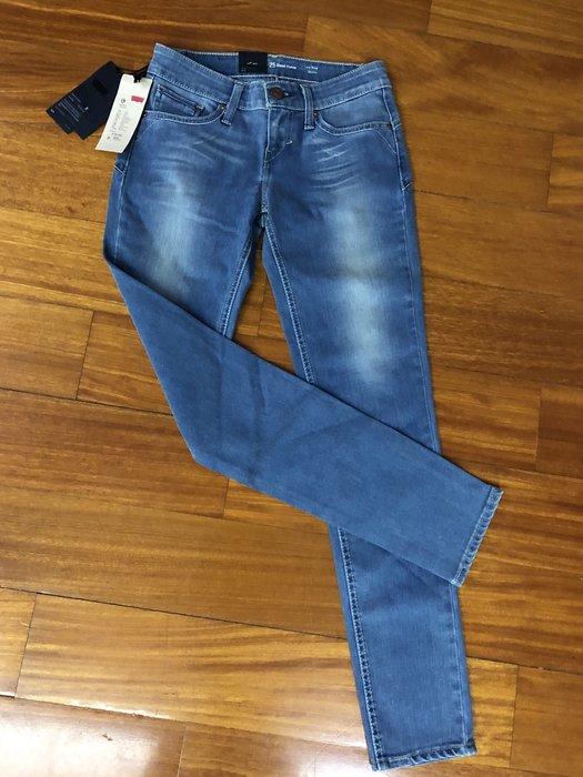 (嘻哈姐弟)Levi's Revil  全新 原價$3990 女生 Skinny 窄管牛仔褲 有彈性 現貨25腰