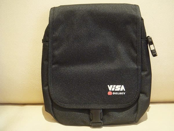 破盤清倉大降價!全新從未用過 法國名牌 DELSEY VISA 旅行袋旅行包隨身包,低價起標無底價!本商品免運費!