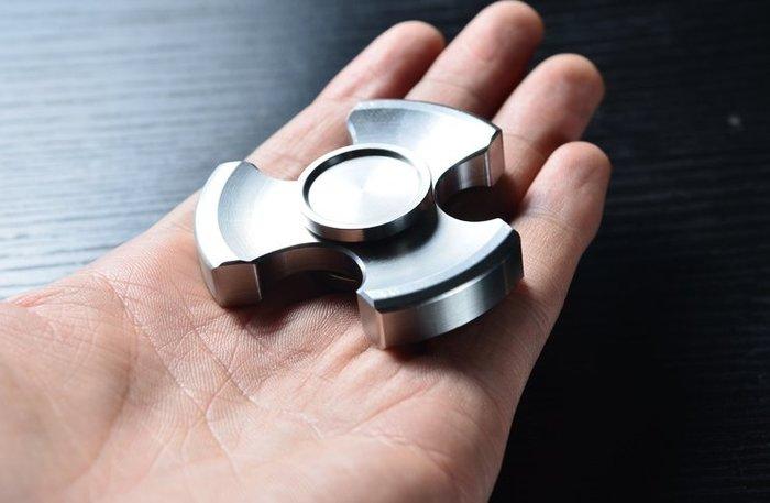 三葉版Rotablade精工版指尖螺旋指尖陀螺EDC不銹鋼