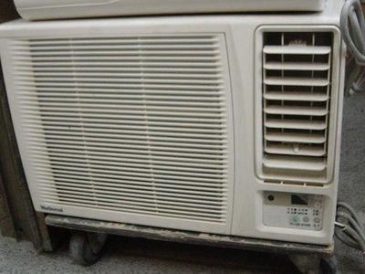 電壓AC110V二手中古冷氣窗型冷氣10000btu1.3噸裝到好全机保固3個月. 很涼超低價