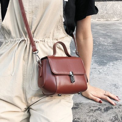 學生書包夏天小包包女2018新款潮手提單肩包韓版百搭斜挎包時尚鎖扣小方包