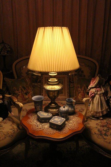 【家與收藏】特價稀有珍藏歐洲古董法國古典優雅銅金浮雕桌燈/大立燈4