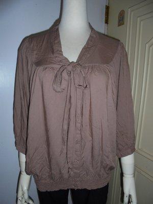 lowrys farm品牌可可色領綁結縮腰七分袖棉衫L號 適M~L ~250元直 ~