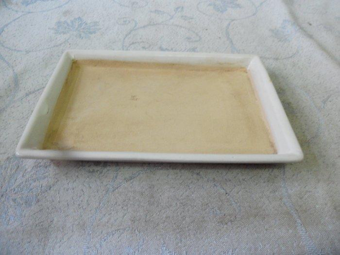 紫色小館38--------早期陶土水盤{白色}長方形