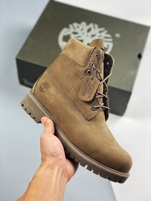正品Timberland x WTAPS 6 Premium Boots 經典戶外6英吋大黃靴 39-45碼(偏大一碼)