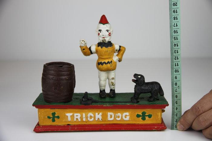 1117--回饋社會-特價品-馬戲團系列(厚重鑄鐵-缺圈環)當年台灣外銷用-老玩具-罕見收藏品(郵寄免運費)