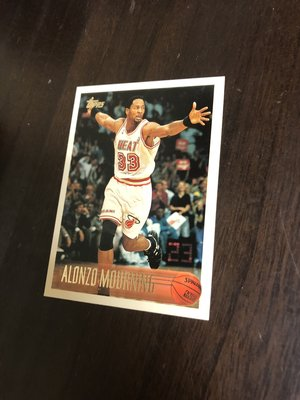 ALONZO MOURNING   1996 TOPPS 113