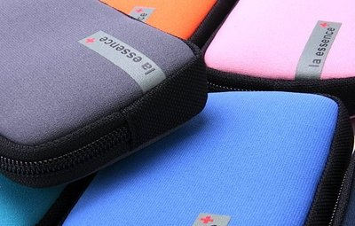 la essence 台灣精品 LE-9703 卡片包/手機袋/相機包/萬用包~ 潛水衣布. 防水. 防震. 可水洗~
