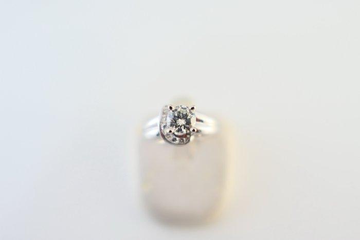 [吉宏精品交流中心]50分 天然鑽石 白K金 造型 戒指