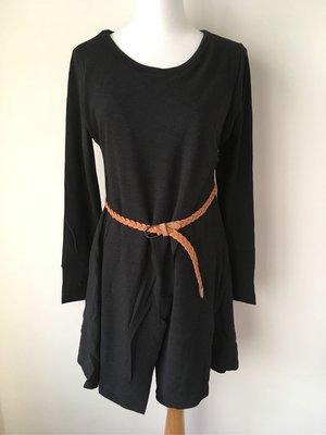 正韓特殊剪裁長上衣.長洋裝.簡單配件就可以創造不一樣的風格洋裝上衣(商品不含配件皮帶)