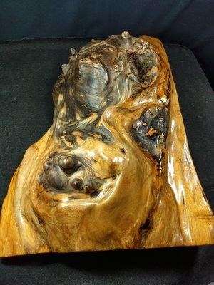 天雕豆珠樹瘤賞件 可當雕刻材 台灣黃檜 重約2470g