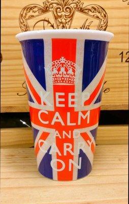 """英國""""KEEP CALM AND CARRY ON COOKING""""雙層陶瓷隨手杯:英國 標語 海報 收藏 隨手杯 設計"""