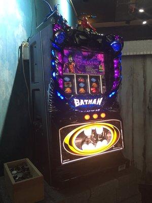 日本原裝機台SLOT 斯洛2014蝙蝠俠-五號機家用大型電玩遊戲機(美式餐廳擺飾超讚.潮店佈置.個人收藏