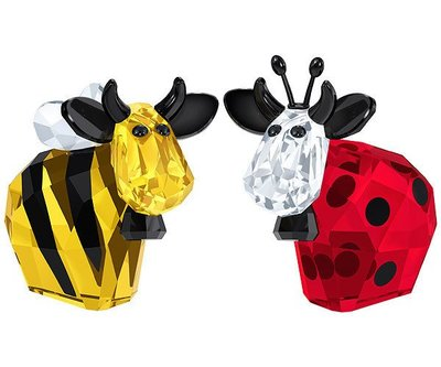 甯@全新專櫃正品 SWAROVSKI 施華洛世奇 Bumblebee & Ladybird Mo 大黃蜂和瓢蟲 牛 塑像