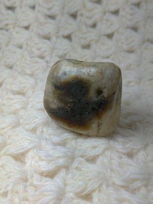 [礦鈺居]~花東玉石~蜜糖年糕玉~26公克
