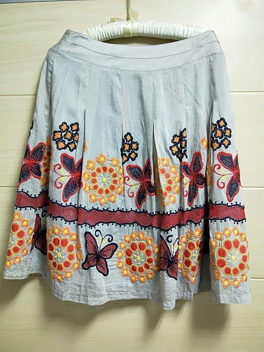 丹丹衣坊--歐風典雅刺繡及膝裙