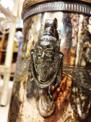 降價{ Ruminant 慕名古物 } 國庫發放大鬍子力士1871年紀念大銀壺