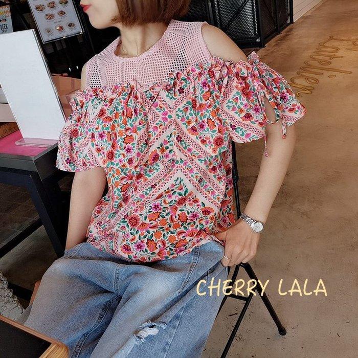 CHERRY LALA  正韓連線。19春。韓製 Korea 韓國連線 露肩透視網格拼接大荷葉邊碎花棉麻上衣X05144