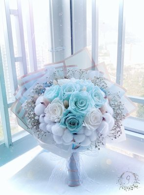 G. Tiffany藍色永生花花束 玻璃花球 純手作 保鮮花 永生花 乾花  結婚禮物 生日禮物 婚禮 情人節禮物 新娘花球