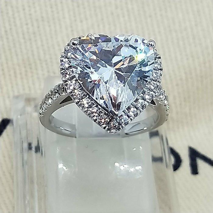 4克拉心型鑽石珠寶歐美專櫃925純銀鍍厚金戒指 微鑲飾品鑽包邊高碳鑽定制鉑金18K純銀戒指 高碳仿真鑽石莫桑鑽寶低價出清