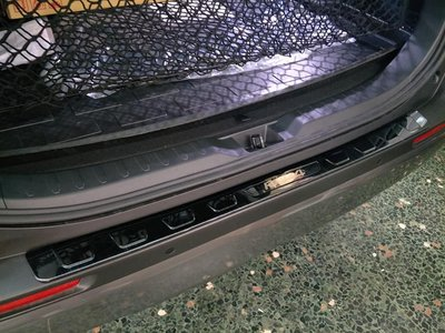 幸福車坊 5代 RAV4 專用 類 原廠型 後保桿上護板 亮黑髮絲 金屬護板