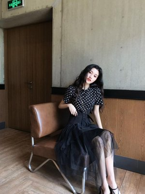 夏裝新款韓版波點T恤短袖上衣+時尚百搭顯瘦高腰網紗不規則半身裙