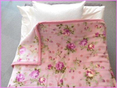 現貨在台,日本製毛毯210x140cm,粉紅大花,歡迎下標。非京都西川喔