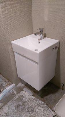 TOTO組合價   臉盆浴櫃組 L710臉盆+710專用浴櫃+TWL801單槍龍頭(面盆+龍頭皆為原廠公司貨)