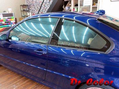 Dr. Color 玩色專業汽車包膜 BMW 330ci 消光黑_窗框