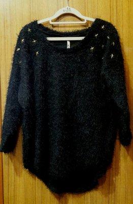 【Alice秘密衣櫥】星星 鉚釘 前短後長 毛茸茸 上衣 (可當親子裝媽咪款)
