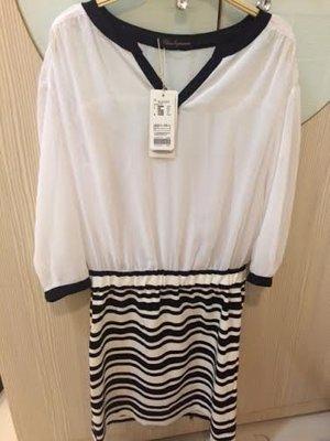 小花別針、百貨專櫃日系品牌【 CLEAR IMPRESSION 】雪紡長袖拼接洋裝