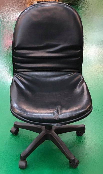 【宏品二手家具館】 辦公傢俱賣場大特賣 F83059*黑皮OA辦公椅* 書桌椅 電腦椅 主管桌椅 會議椅 洽談椅 業務椅