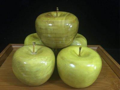 米羅木雕..小阿小蘋果.一盤蘋果.5顆.金絲楠木.貢品.永遠不會壞的蘋果