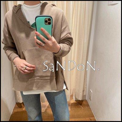  SANDON UNGRID 秋季定番系列升級再推出 實拍V領設計疊穿層次感裹毛設計連帽開叉可愛大學TEE 200922
