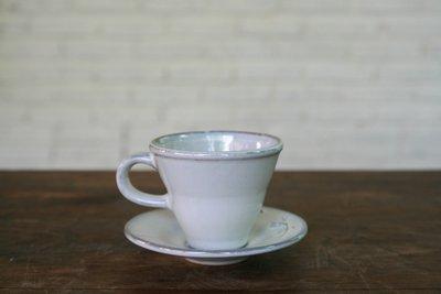 【Qmoment】知名設計師手燒陶瓷 Cup & Saucer壓紋杯盤組。雜貨 陳列 法式 鄉村